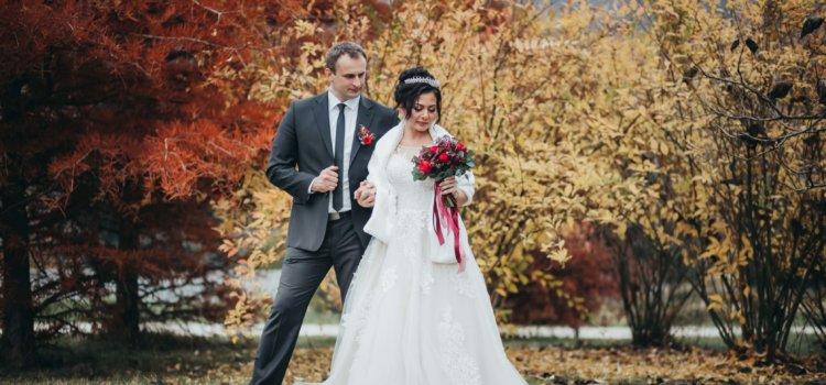 Свадебная фотосессия в Феофании осенью для Владимира и Виталины